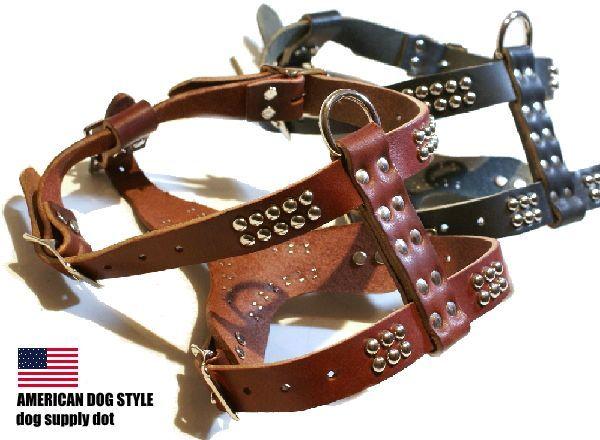 スタッズ鋲を打ち込んだアメリカンスタイルの小型犬用胴輪:レザースタッズハーネス