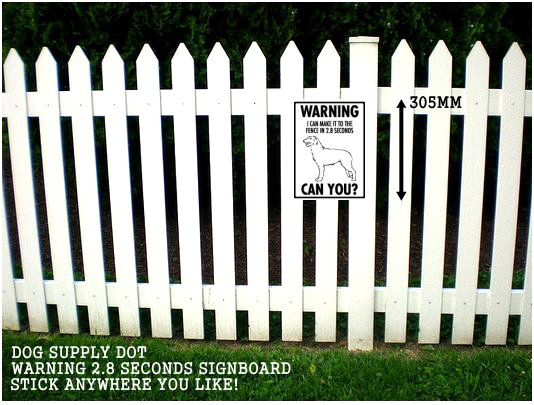アイリッシュウルフハウンド注意警告 英語サインボード アルミ看板:WARNING I CAN MAKE IT TO THE FENCE IN 2.8 SECONDS CAN YOU?[MADE IN U.S.A]